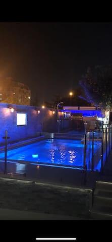 Luxury villa with heat pool TV  jacuzzi high level