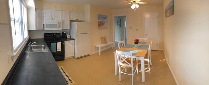 Condo F -Asbury Ave-2 blocks to beach-Gold Coast