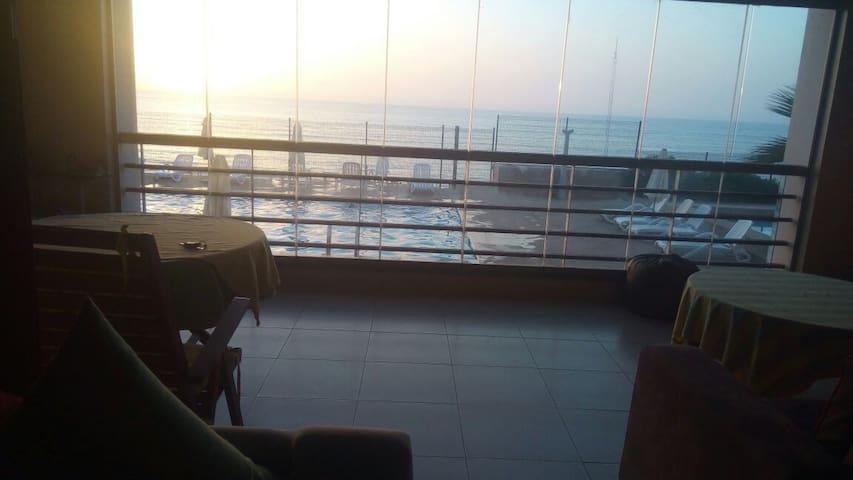 Appartement meublé vue sur l océan.