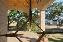 Casa frente al río con piscina
