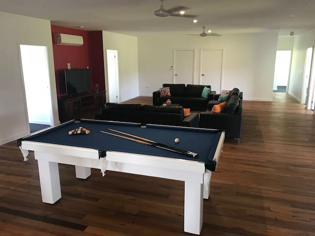 Border Ranges Retreat BNB/ Theatre and Pool Table