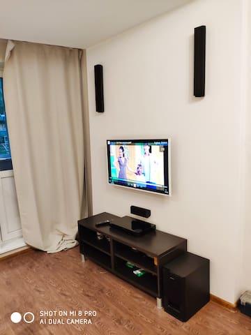 Телевизор, аудио система с 3д звуком для настоящих кино и меломанов