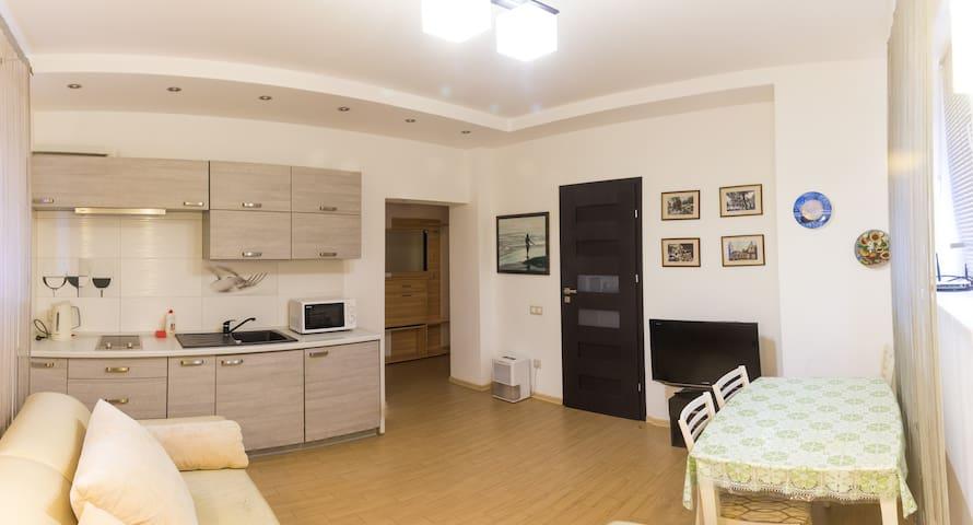 Апартаменти перший поверх