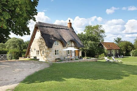 Field Cottage & Annexe - Elmley Castle, Pershore, Worcestershire