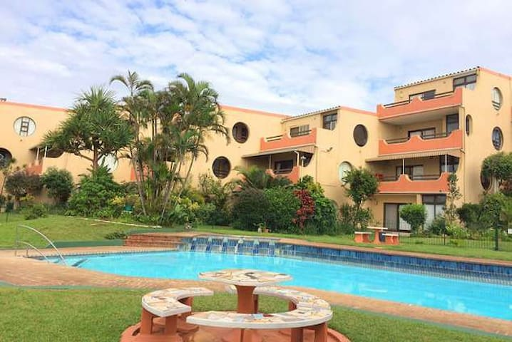 Self Catering Umdloti Beach apartment - Umdloti