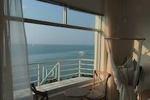 【海街Diary】老街一线海景公寓.离大海仅20米+100寸投影