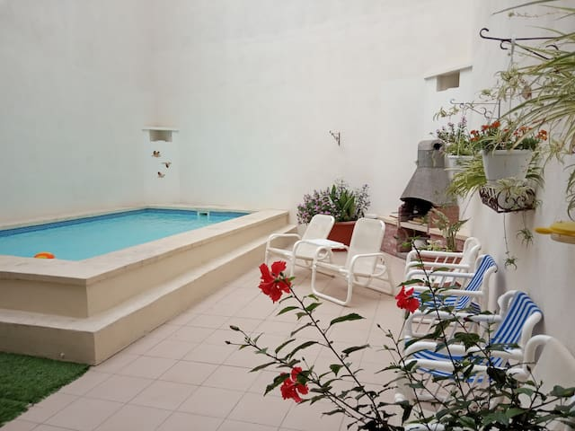 The Valley (Maisonette with pool in Marsascala).