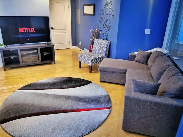 """58"""" 4k TV with Netflix, network channels and Sportsnet channels."""