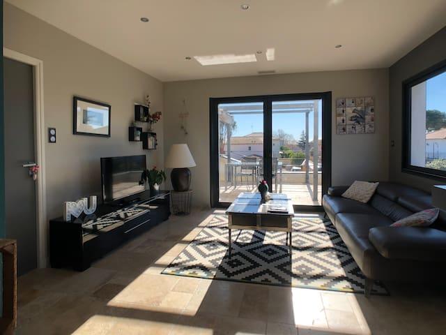Maison neuve tout confort/Pretty home with terrace