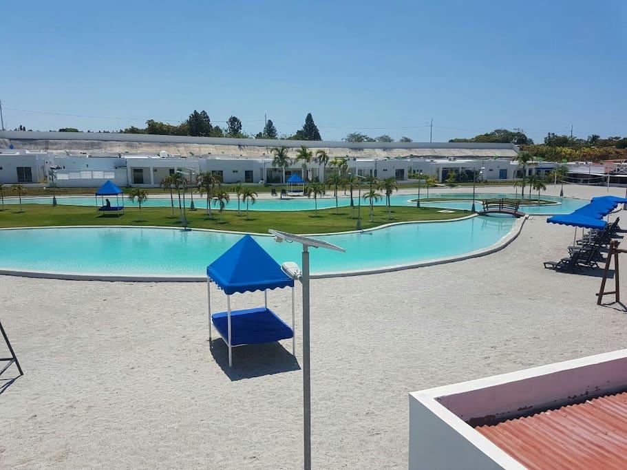 Casa piscina tipo playa ibiza beach residences casas de campo en alquiler en r o hato - Piscinas tipo playa ...