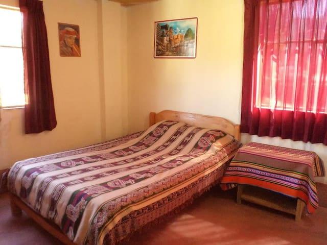 Alojamiento, comida típica y turismo vivencial