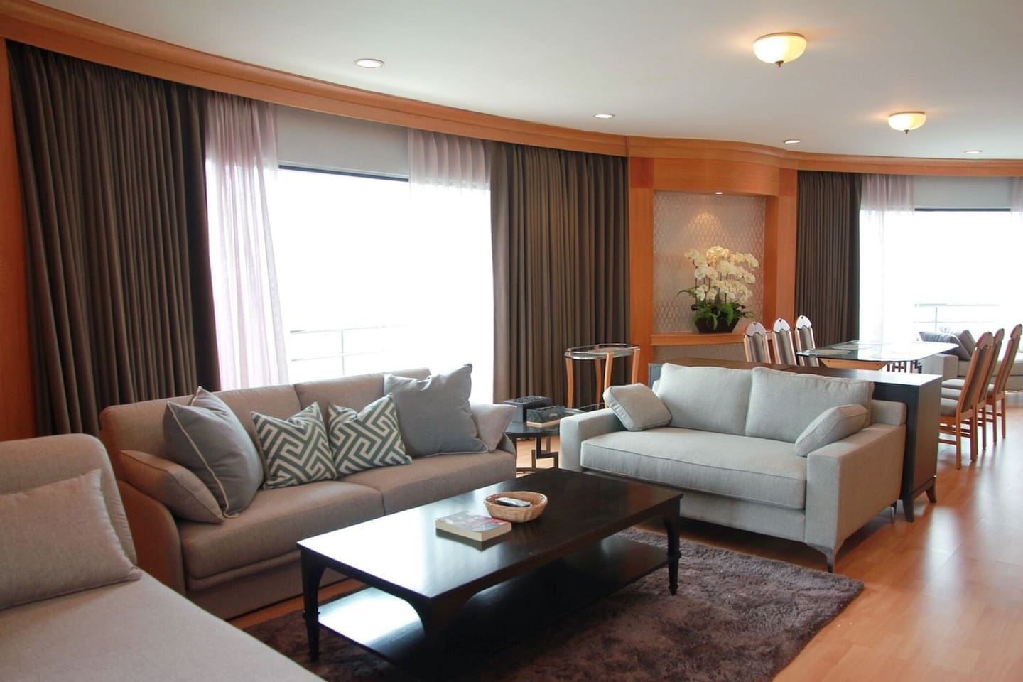 Warm and cozy living area with panaramic view of pattaya city and endless ocean view