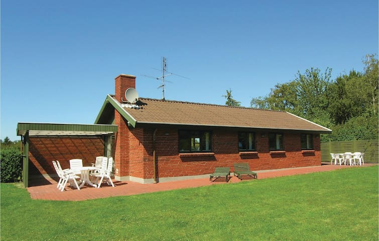 Holiday cottage with 3 bedrooms on 72m² in Humble
