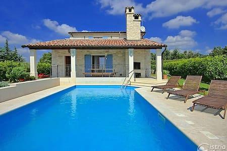 Villa Aurora - Baderna