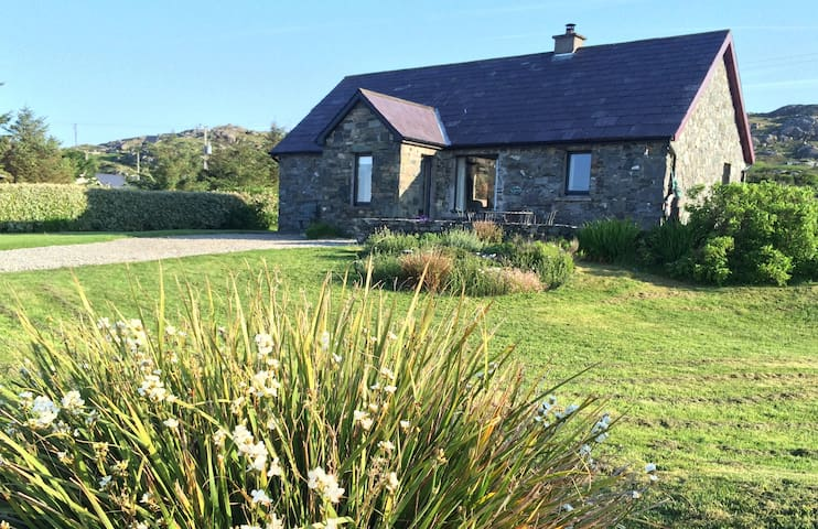 Seaside Cottage Retreat in Errislannan, Clifden