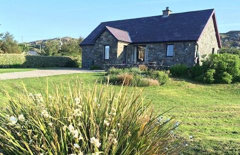 Seaside Cottage Retreat in Errislannan, Clifden