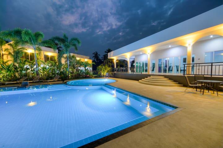 The Serenity Resort Private Pool Villa 14 BEDROOMS - Tambon Na Chom Thian - Villa