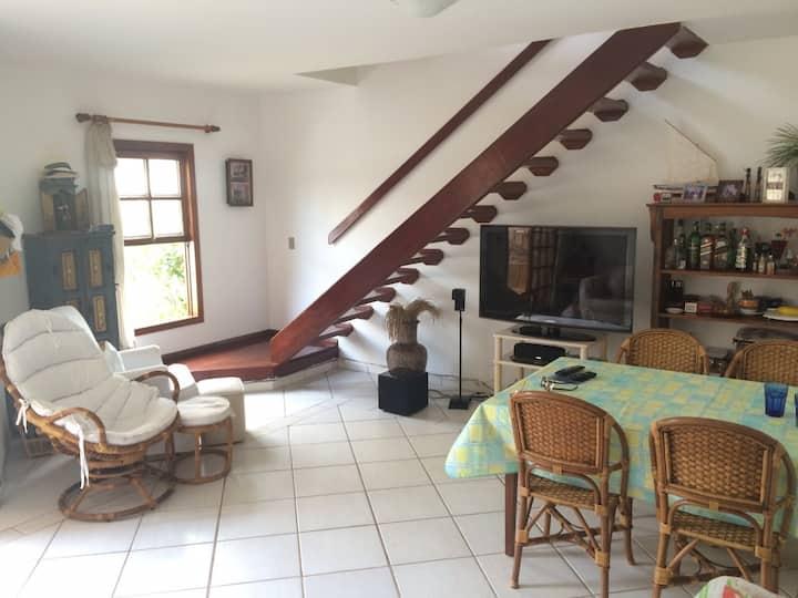 Casa em condomínio na Bacutia 3qts