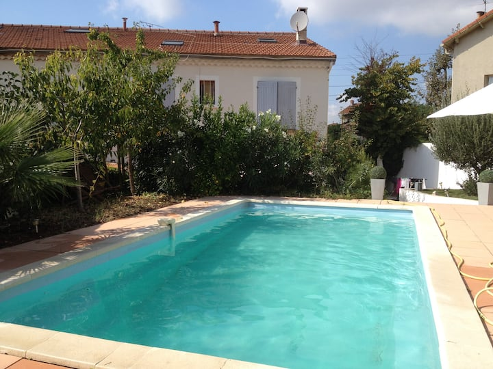 SPACIOUS HOUSE WITH PRIVATE POOL MARSEILLE