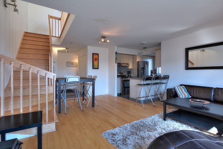 Beautiful new condo by the Lachine Canal/Airport - Montréal - Condominium