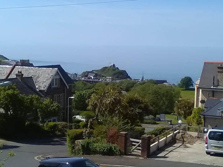 Ilfracombe Apartment with a View