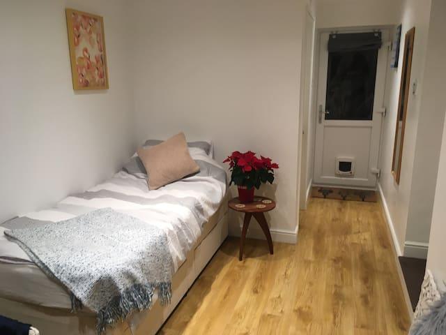 Lovely en-suite suite single room