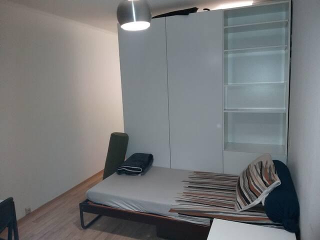 Cozy small room in Tannenbusch Mitte, Bonn