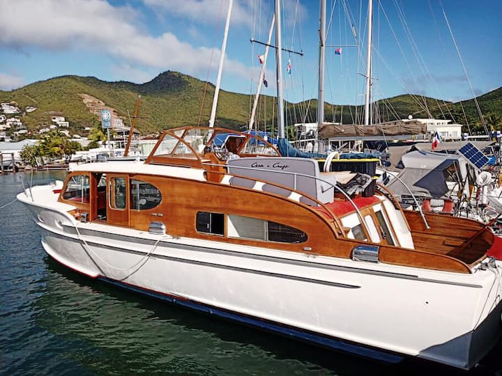 Live aboard an antique boat
