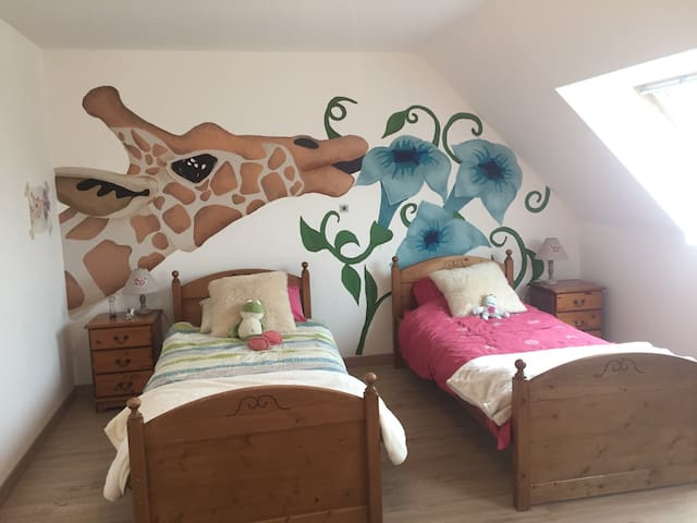 The giraffe room - Beuvrequen - House