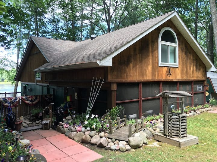 Gladwin Waterfront Cottage w/1500 sf deck/porch!