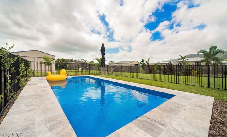 2 Bedrooms &LivingArea in Whitsunday Luxury Home