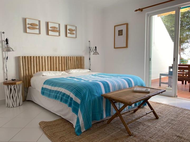 Villa Acqua - 4 BD, Beach, Pools, Tennis and Golf