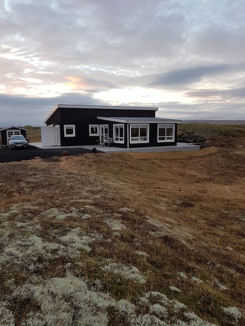 Beautiful house with a great view. Selhólavegur 10