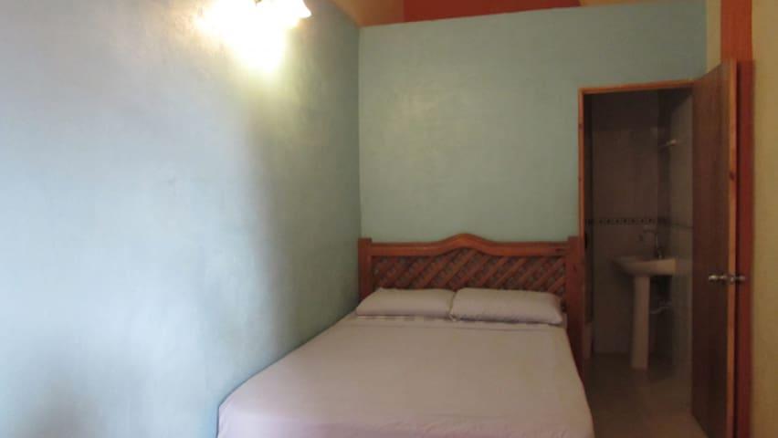 Hostal Zocalo, Habitación 16, Baño privado