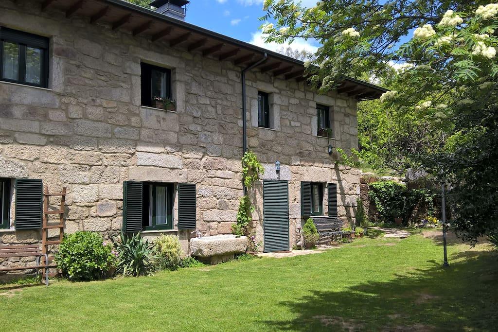 Casa rural entre acebos para parejas casas de campo en - Apartamentos para parejas ...