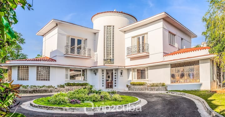 VIP Luxury 6BR Villa with pool in Miramar/wifi
