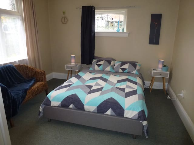 Relax on Rose Street – central Timaru home - Timaru - Rumah