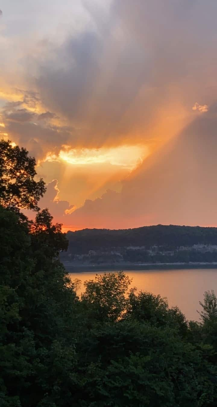 Rare A-Frame w/ beautiful Lake Cumberland Views