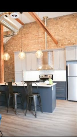 Amazing Loft Space in the Heart of Downtown London
