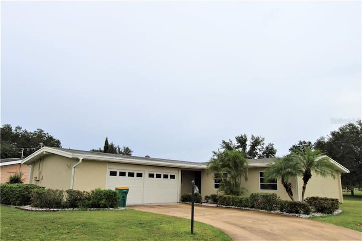 NEW GORGEOUS 3BED/2BATH HOME RIGHT ON GOLF COURSE!