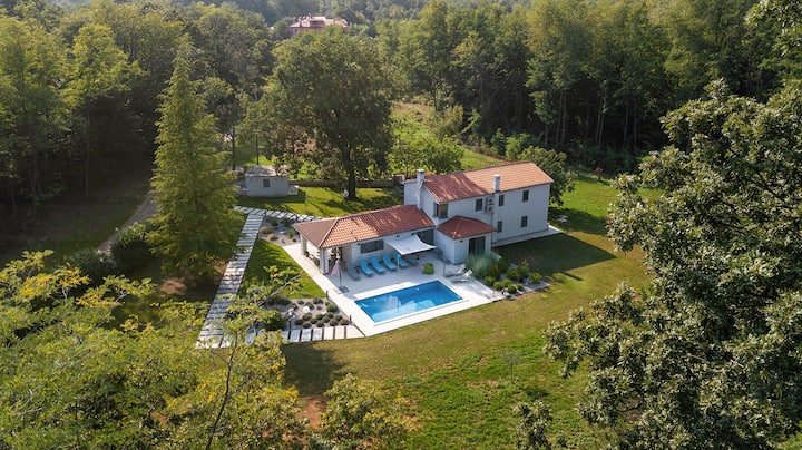 Villa Stepančić - stylish home in a green oasis