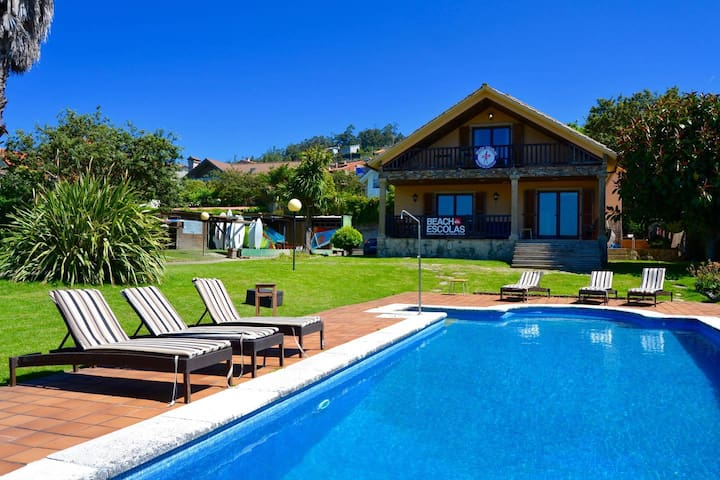 Beachescolas Windsurf House - Private 2 Bed Dorm - Cangas - บ้าน