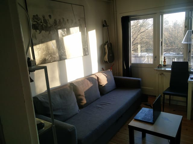 Cozy small apartment near Odense river - Odense - Daire