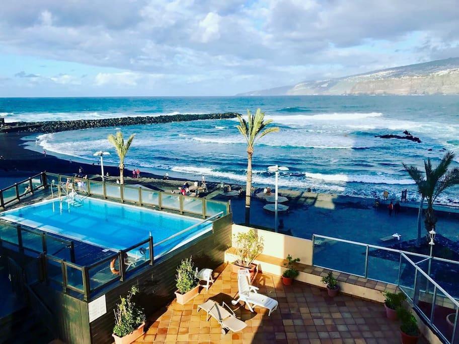 Está es la piscina que podrán disfrutar al elegir el apartamento, vistas increíbles y buen clima todo el año,