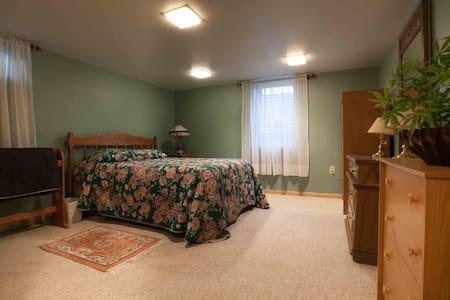 5 room furnished apartment - West Des Moines - 아파트