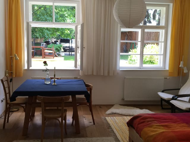 Bright garden apartment in Vienna's green belt - Wiedeń - Apartament