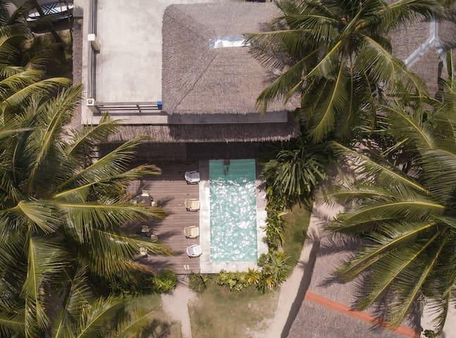 Kawili 12-bed Mixed Dormitory / Hostel