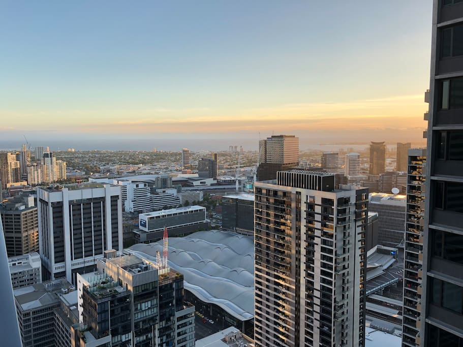 The fifth apartment CBD Melbourne Southern Cross ...