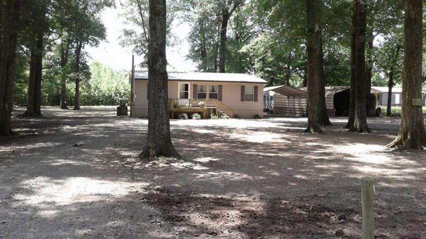 The Canvasback Lodge Bayou Meto WMA