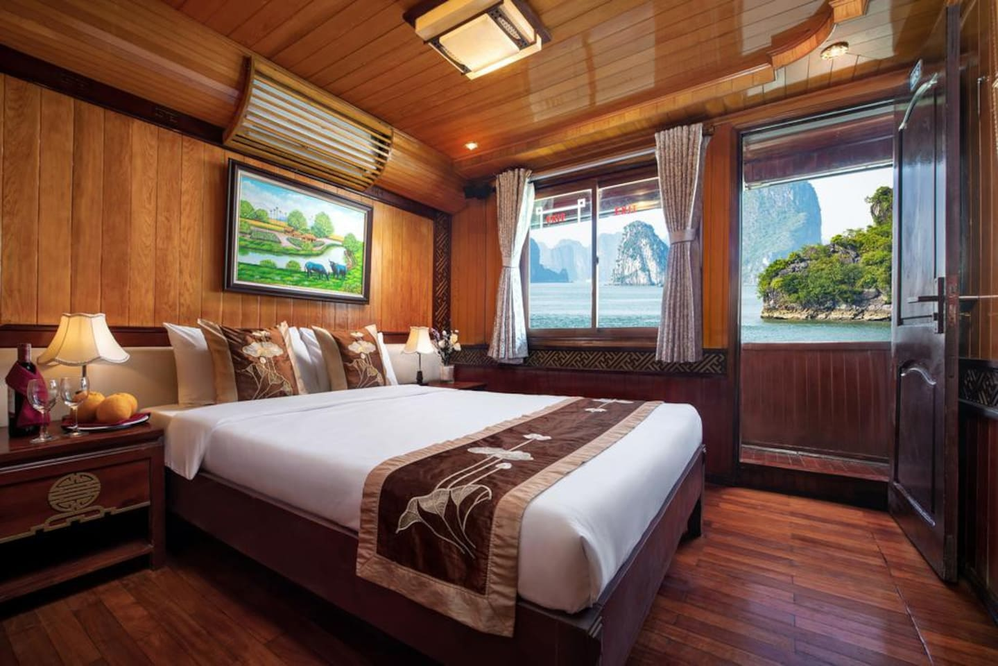 Halong Bay for backpackers
